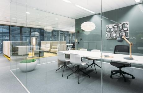 Elemente fundamentale de compartimentare a biroului ce sporesc productivitatea
